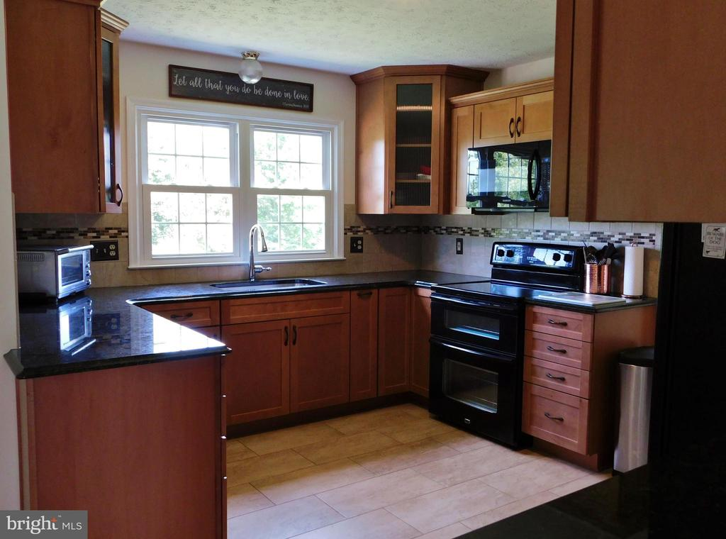 - 102 CHRISTOPHER CT, CHARLES TOWN