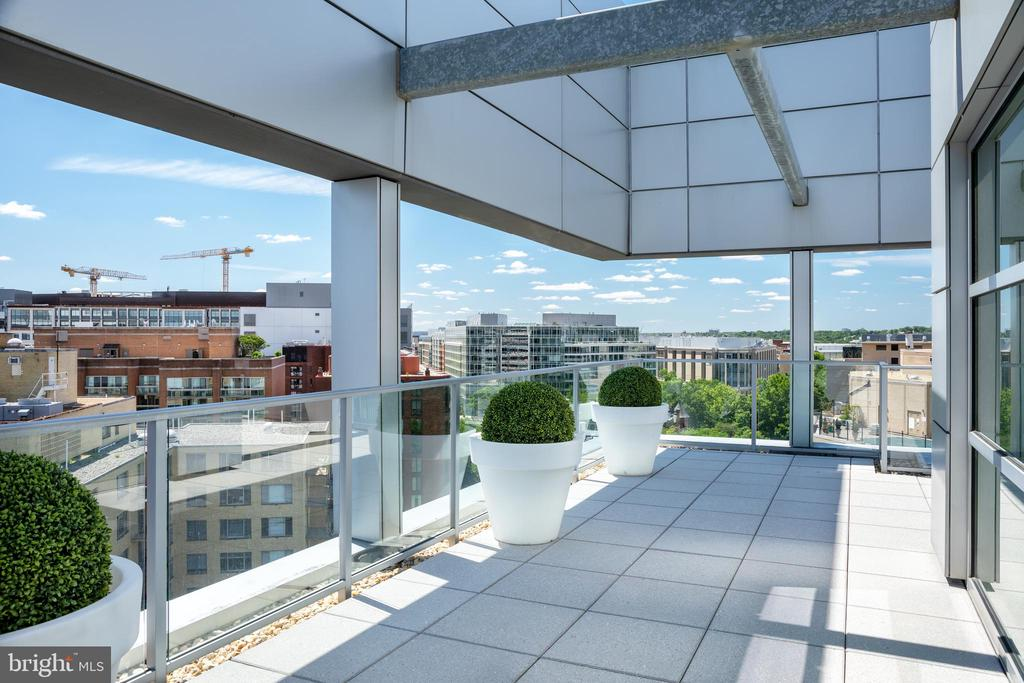 Views to the Kennedy Center and beyond - 1177 22ND ST NW #9G, WASHINGTON