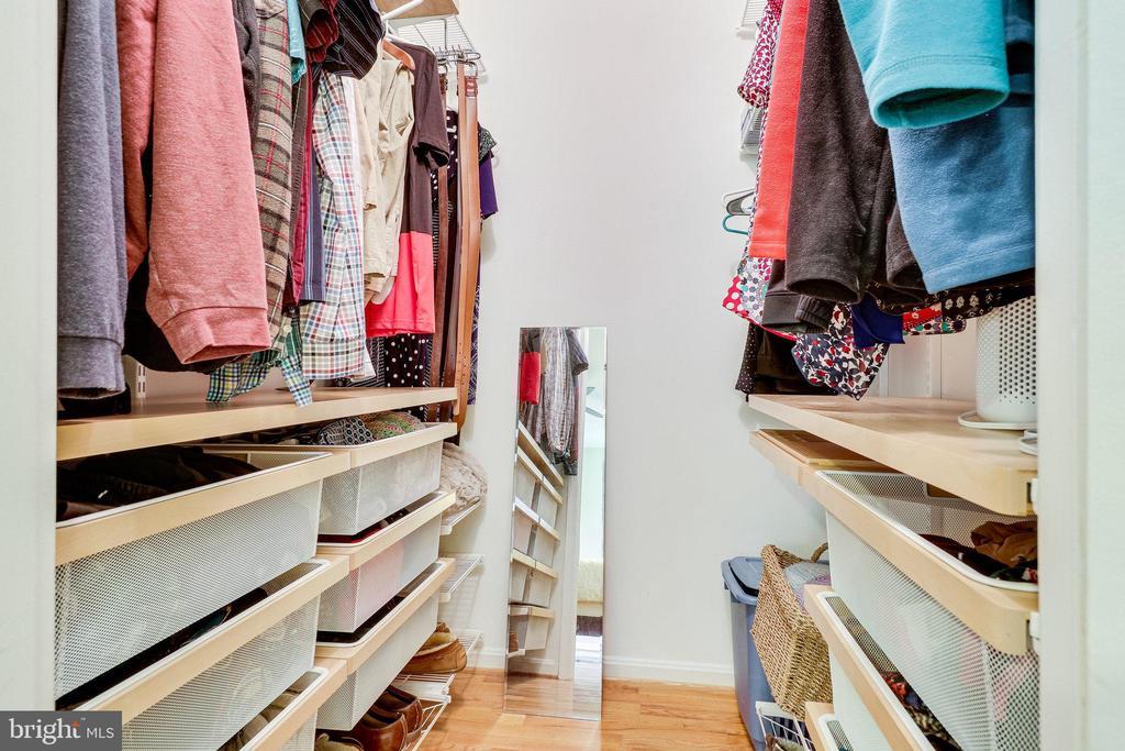 Primary walk-in closet with custom shelves - 9312 WINBOURNE RD, BURKE
