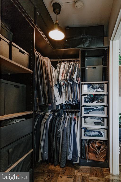 Custom Closets - 2720 WISCONSIN AVE NW #703, WASHINGTON