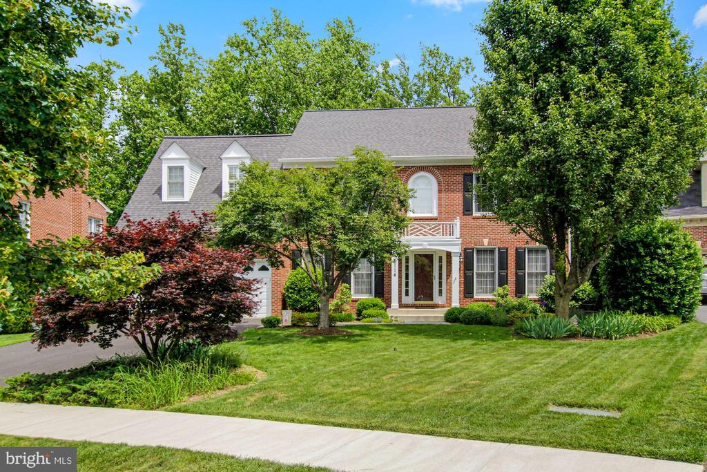 Welcome to 1114 Heartfields Drive - 1114 HEARTFIELDS DR, SILVER SPRING