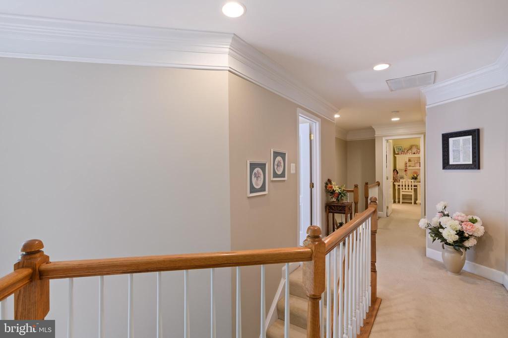 Upstairs Hallway - 6191 TREYWOOD LN, MANASSAS