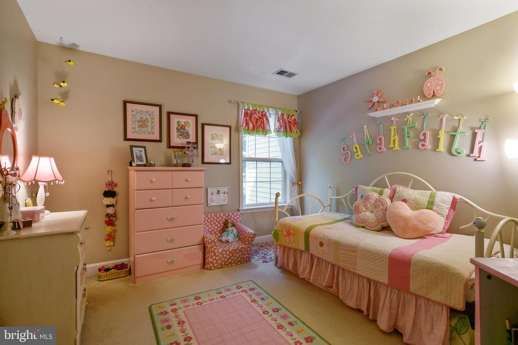 Bedroom 2 - 6191 TREYWOOD LN, MANASSAS
