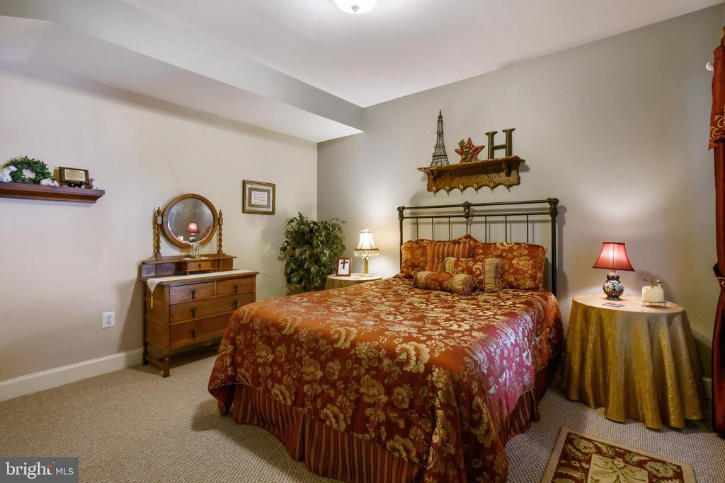 Bedroom 5 - 6191 TREYWOOD LN, MANASSAS