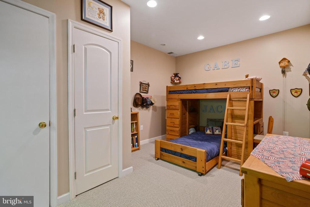 Bedroom 6 - 6191 TREYWOOD LN, MANASSAS