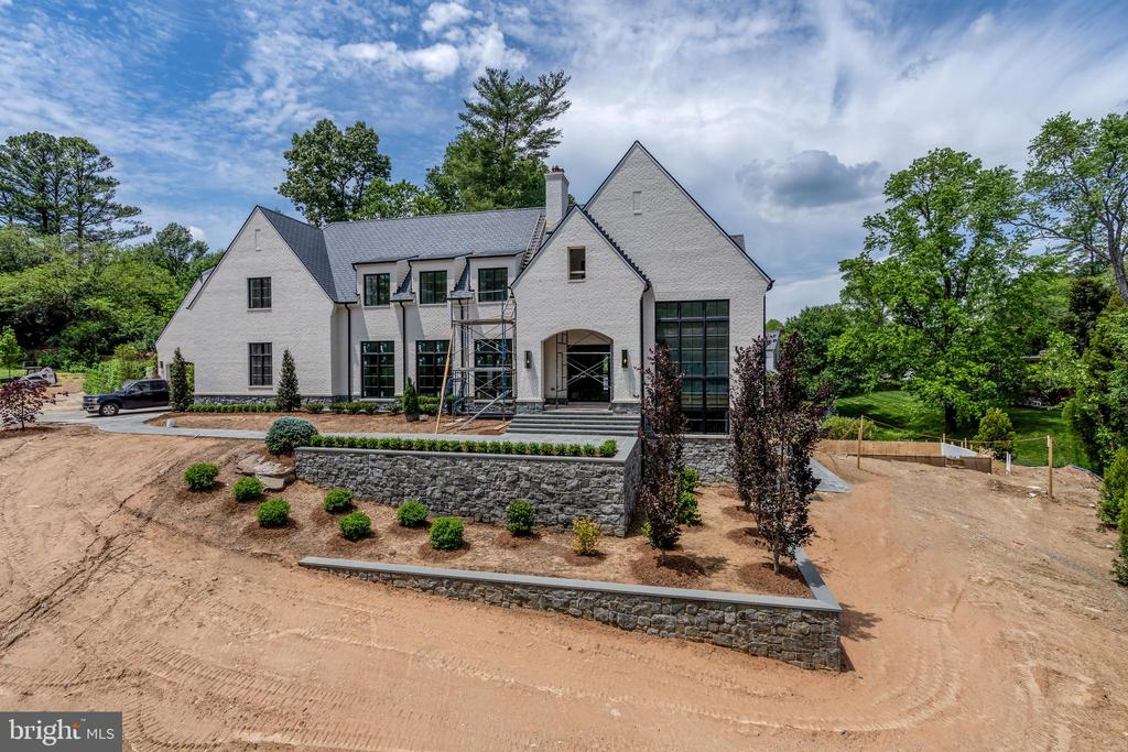 Delivery by end of June - 1004 DOGUE HILL LN, MCLEAN