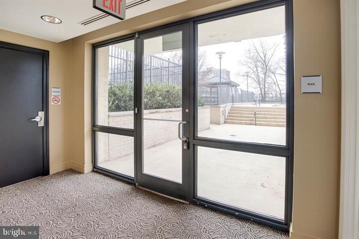 Building Entrance/Exit - 1830 FOUNTAIN DR #307, RESTON