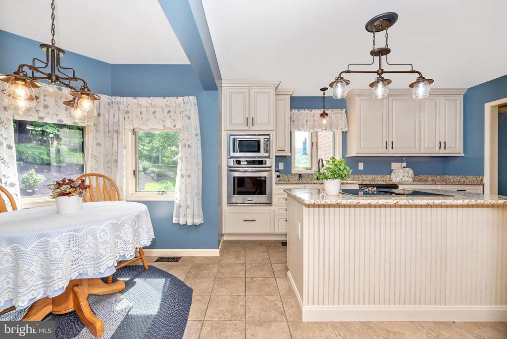 Kitchen - 7319 EYLERS VALLEY FLINT RD, THURMONT