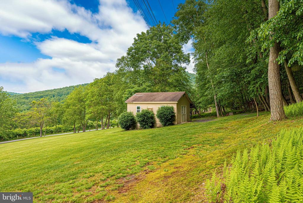 Shed for tools - 7319 EYLERS VALLEY FLINT RD, THURMONT