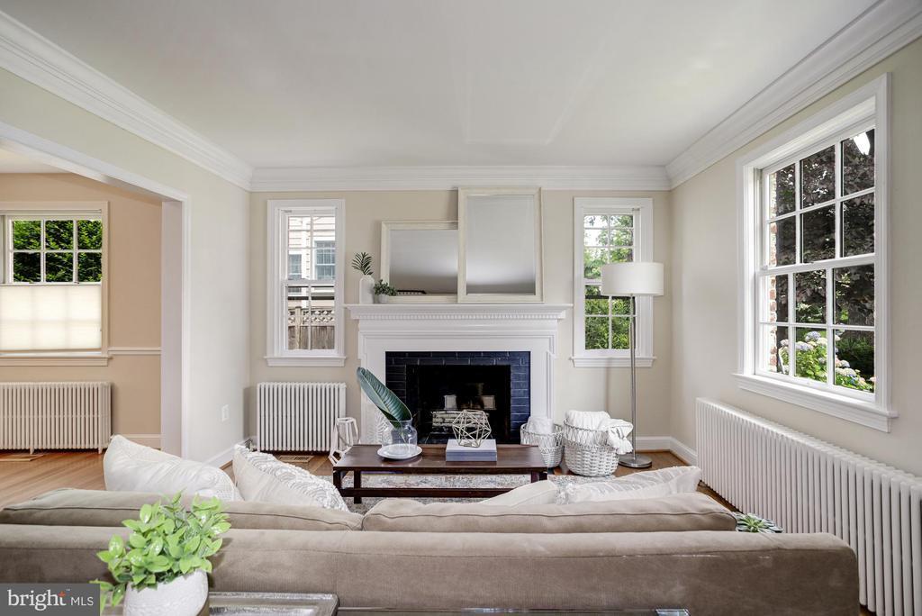 Enter a bright formal living room - 8622 GARFIELD ST, BETHESDA
