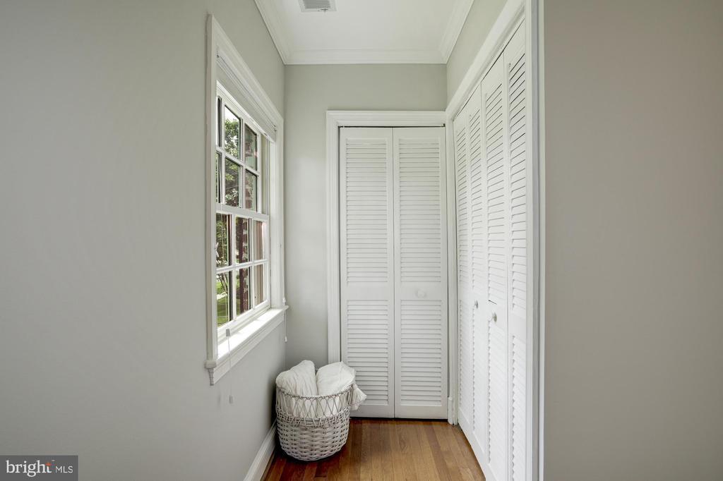 BR4 has closet nook - 8622 GARFIELD ST, BETHESDA