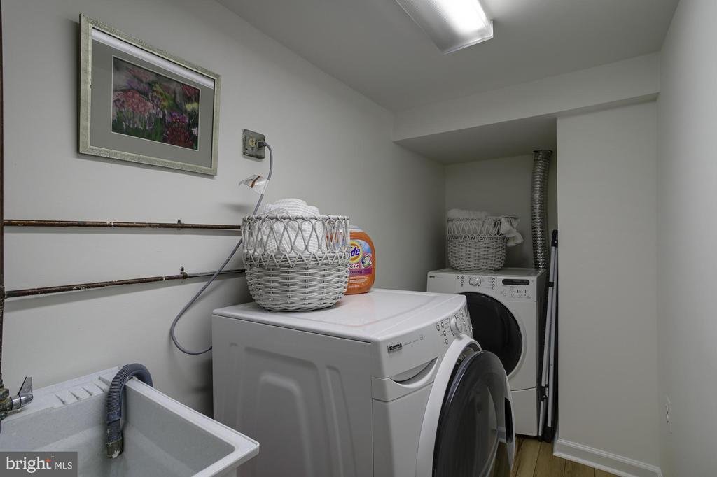 LL full laundry room - 8622 GARFIELD ST, BETHESDA