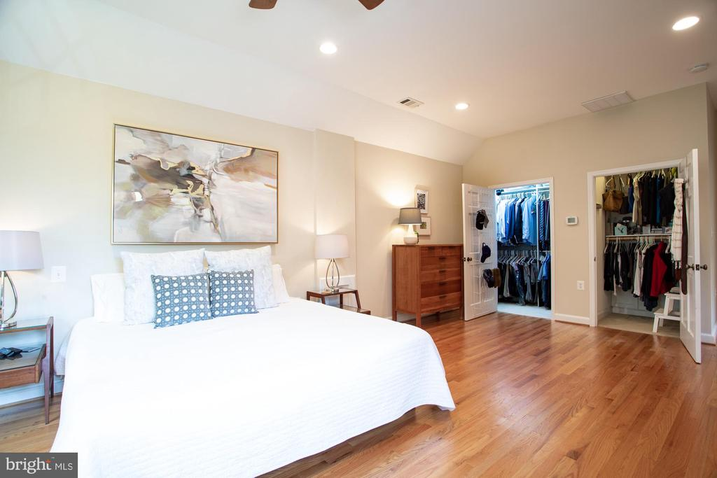 Primary suite has double walk-in closets - 8622 GARFIELD ST, BETHESDA
