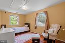 Light and bright third upstairs bedroom... - 2915 MONROE PL, FALLS CHURCH
