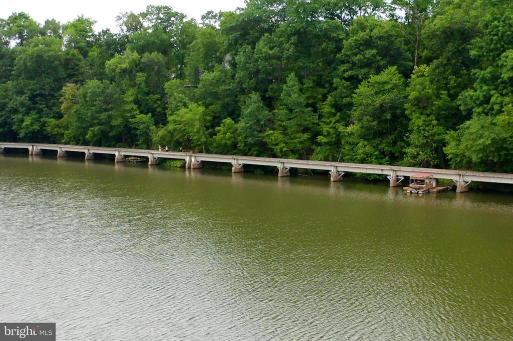 Lake Liganore - 6877 WOODRIDGE RD, NEW MARKET
