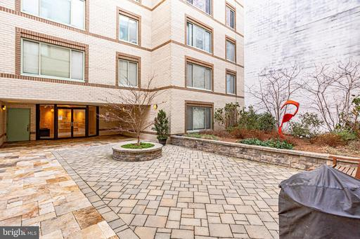 2141 WISCONSIN AVE NW #101