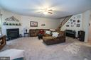 Large Family room with gas fireplace - 53 CARRIAGE HILL DR, FREDERICKSBURG