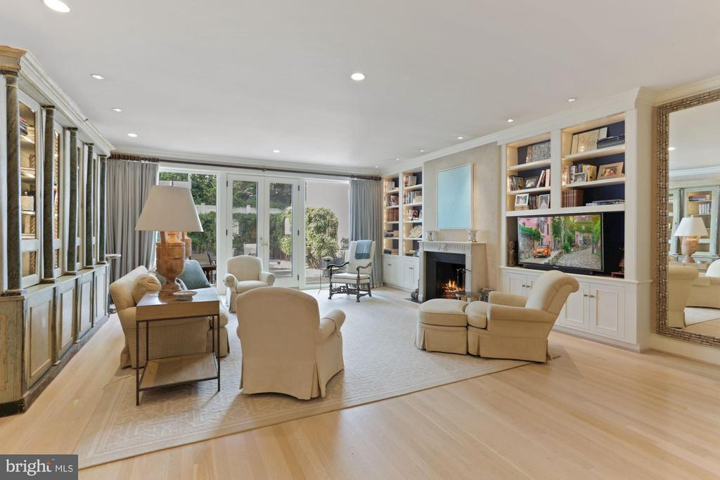 Living Room - 3049 WEST LANE KEYS NW, WASHINGTON