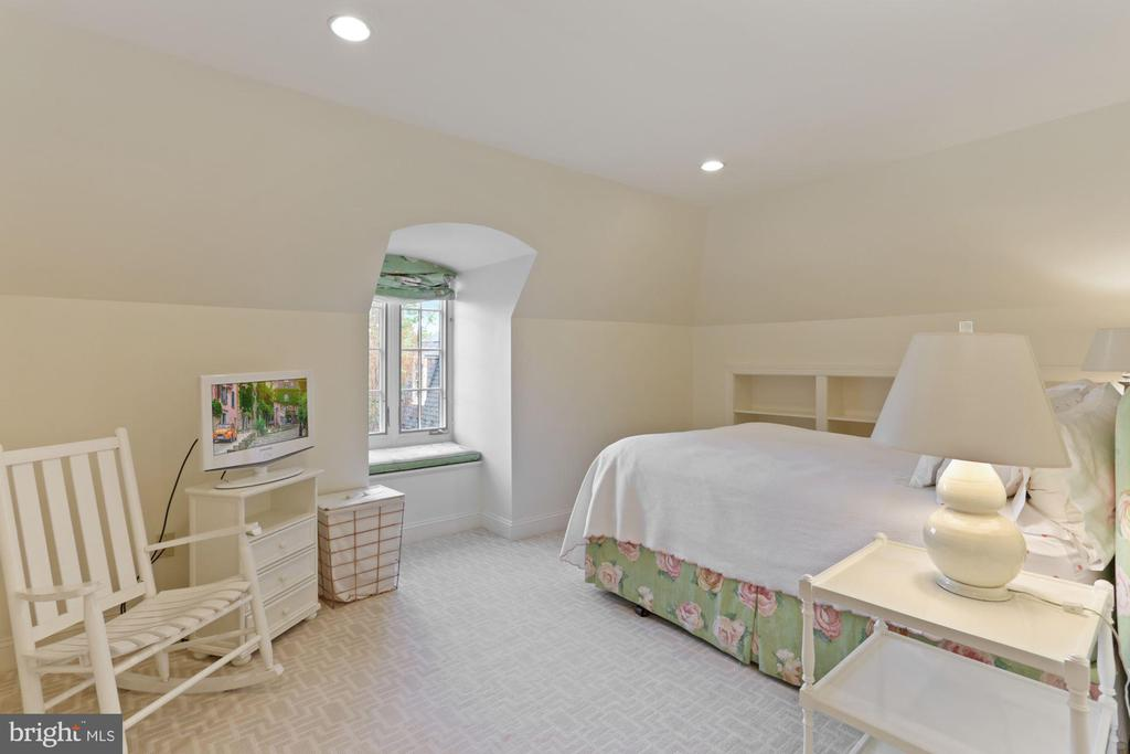 Bedroom #2/Library - 3049 WEST LANE KEYS NW, WASHINGTON