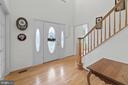 Bright and open 2 story entry - 200 AUTUMN SKY TER, WOODSBORO