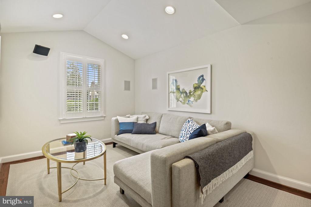 Vaulted ceiling , wood shutters & recessed lights - 7907 GLENBROOK RD, BETHESDA