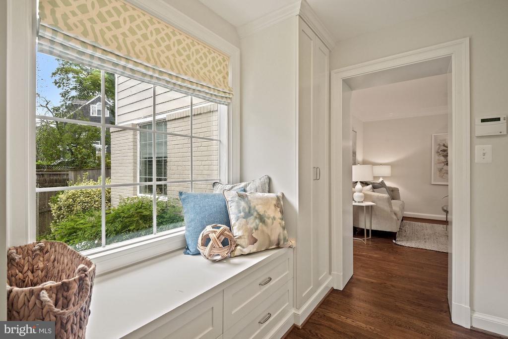 Mud room w/ window seat , extra storage & pantry - 7907 GLENBROOK RD, BETHESDA
