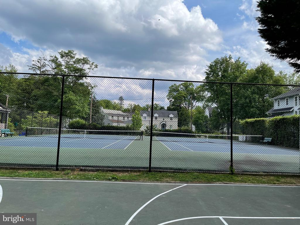 Neighborhood tennis courts - 7907 GLENBROOK RD, BETHESDA