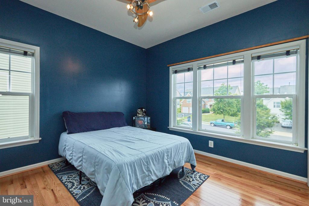 Wood Floors Throughout The Upper Level - 504 PAGE ST, BERRYVILLE