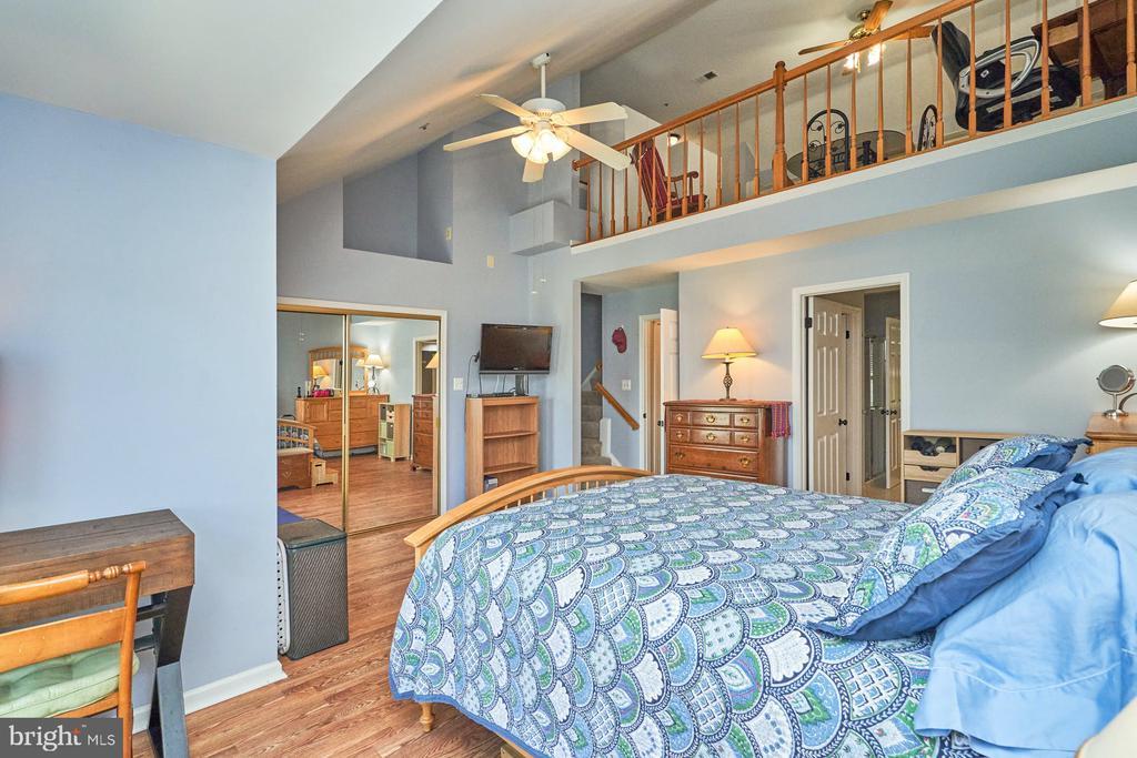 Loft above Primary bedroom - 7937 BLUE GRAY CIR, MANASSAS