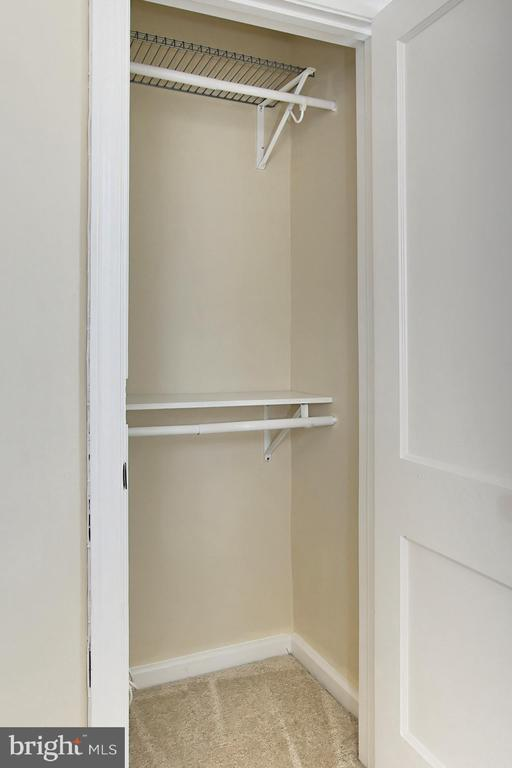 Well Planned Closet Storage - 2029 S OAKLAND ST, ARLINGTON