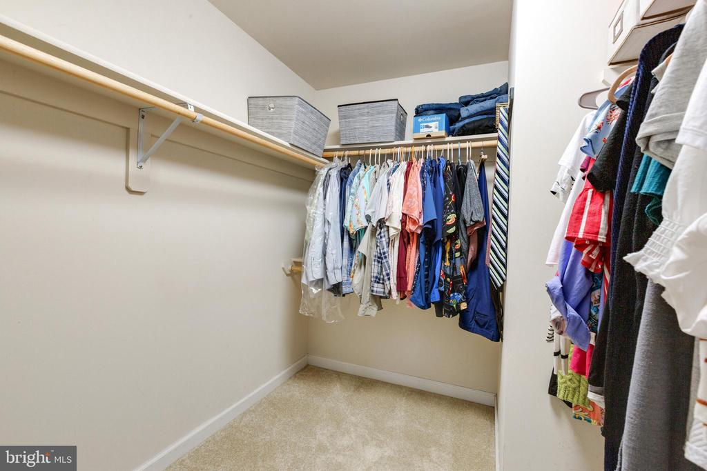 Large Primary Closet - 4290 CANDLESTICK CT, DUMFRIES
