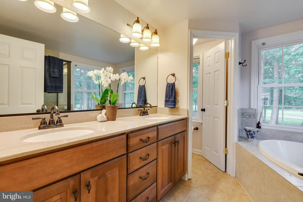 Primary Bathroom - 4290 CANDLESTICK CT, DUMFRIES