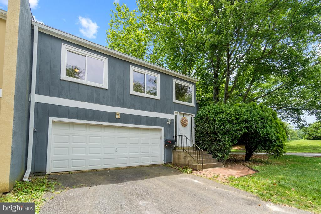 Front View - 11300 LINKS CT, RESTON