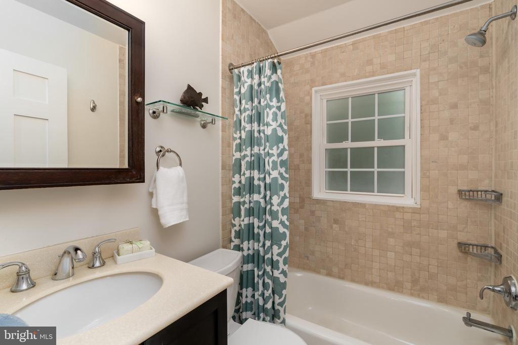 Upper level bathroom - 2740 S TROY ST, ARLINGTON