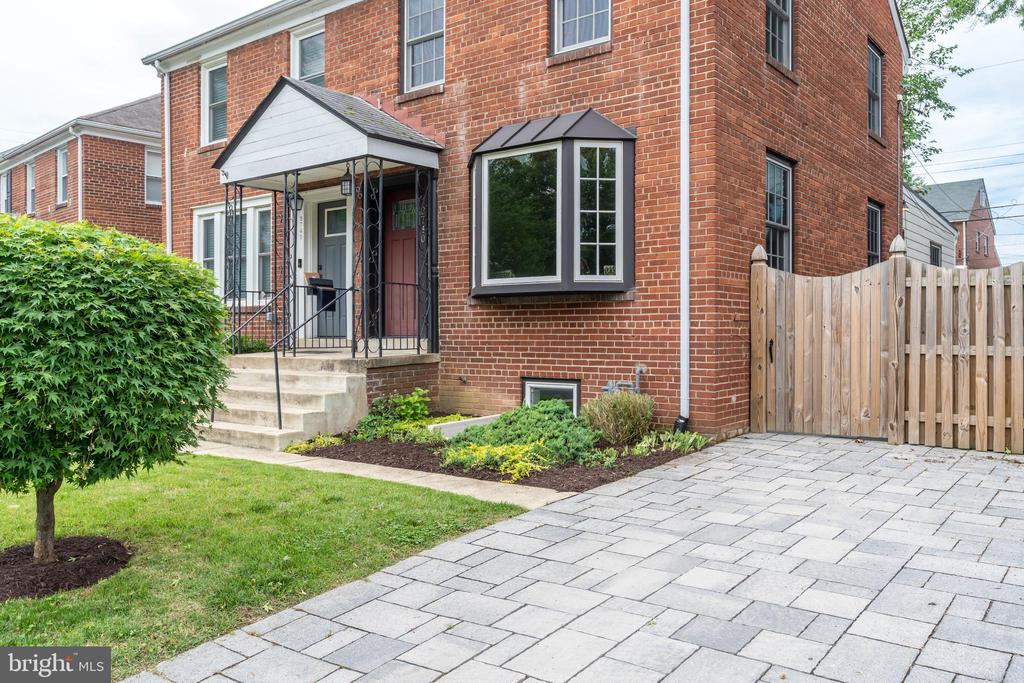 Stone driveway for off street parking - 2740 S TROY ST, ARLINGTON