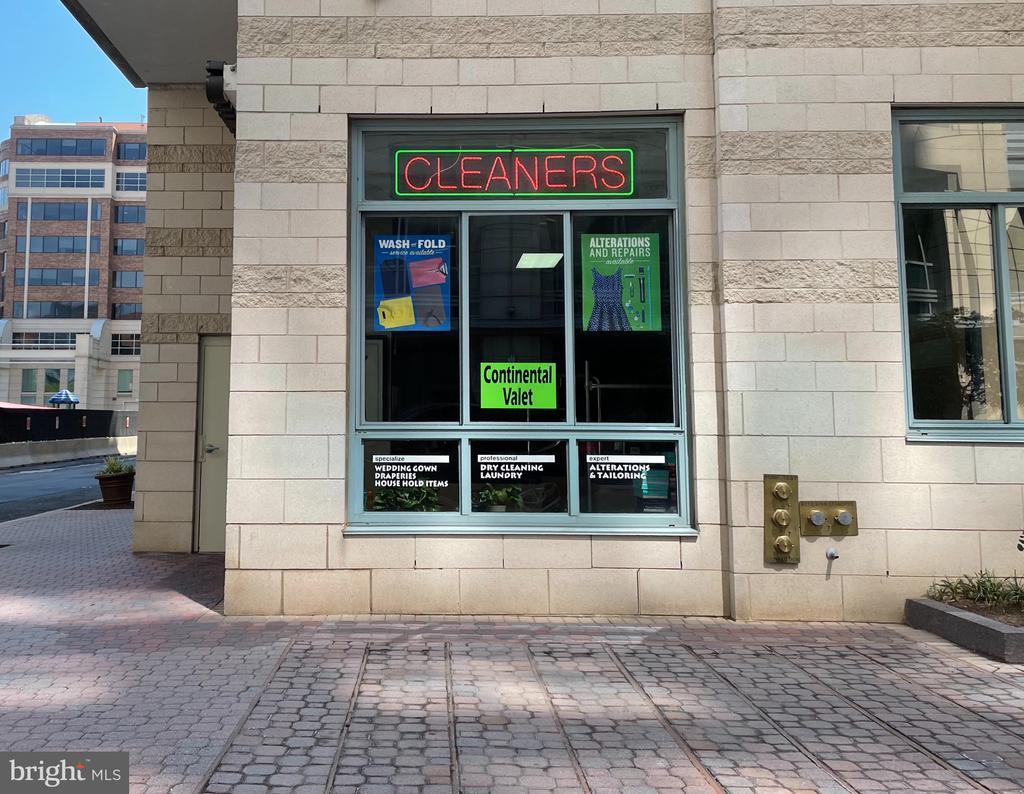 Dry Cleaners - 851 N GLEBE RD #115, ARLINGTON