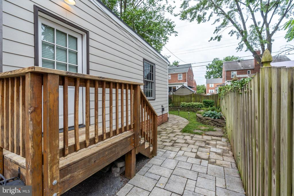 Side patio access from family room - 2740 S TROY ST, ARLINGTON