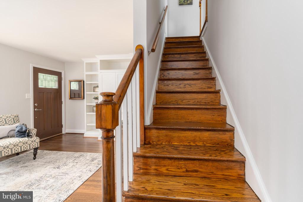 Harwood staircase to the 2nd floor - 2740 S TROY ST, ARLINGTON