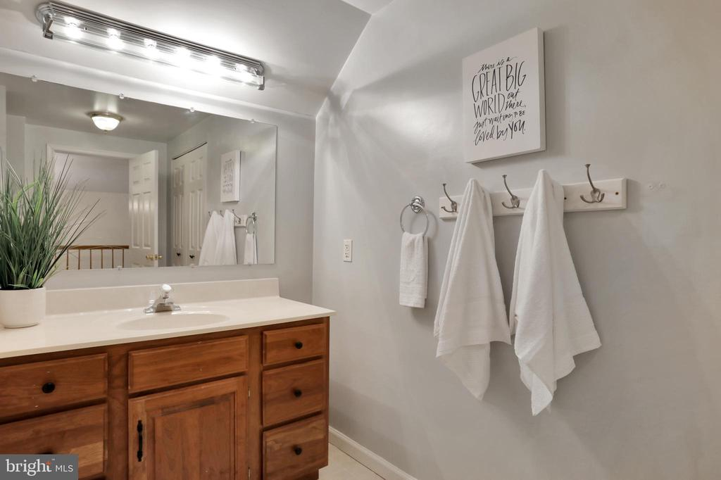 Master Bathroom - 11302 GAMBRILL PARK RD, FREDERICK