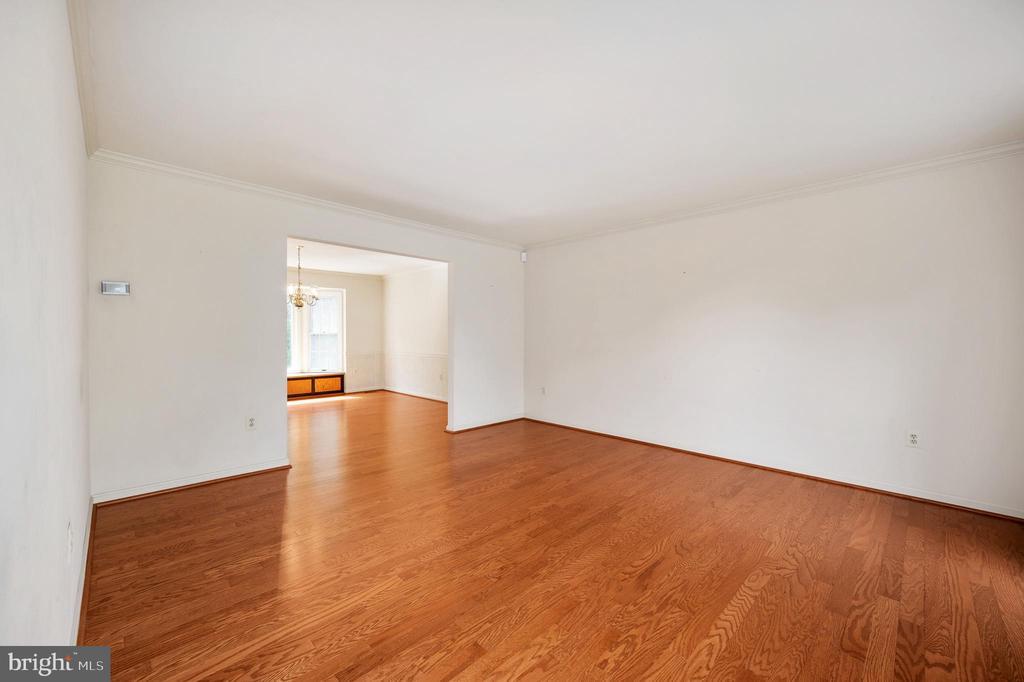 Living Room - 9 OAKBROOK CT, STAFFORD