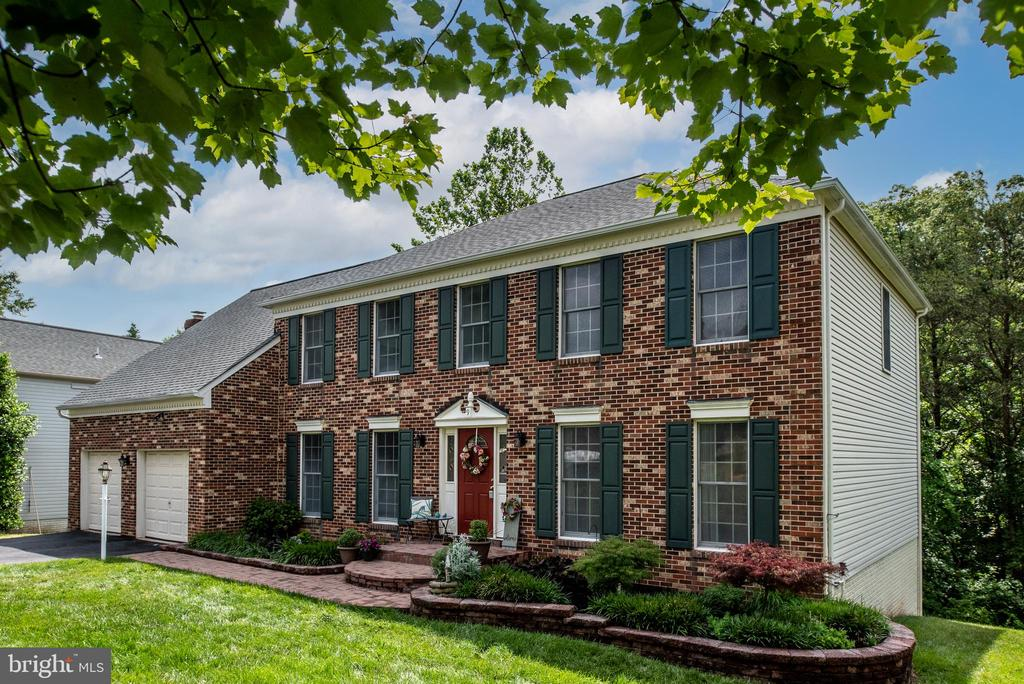 One of the largest models in Hampton Oaks - 9 OAKBROOK CT, STAFFORD
