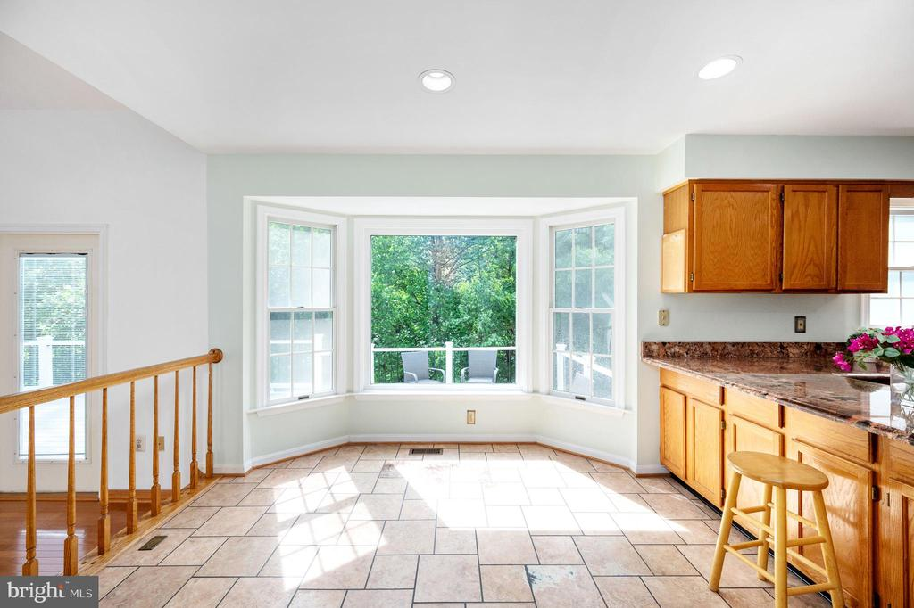 Eating Area off of Kitchen - 9 OAKBROOK CT, STAFFORD