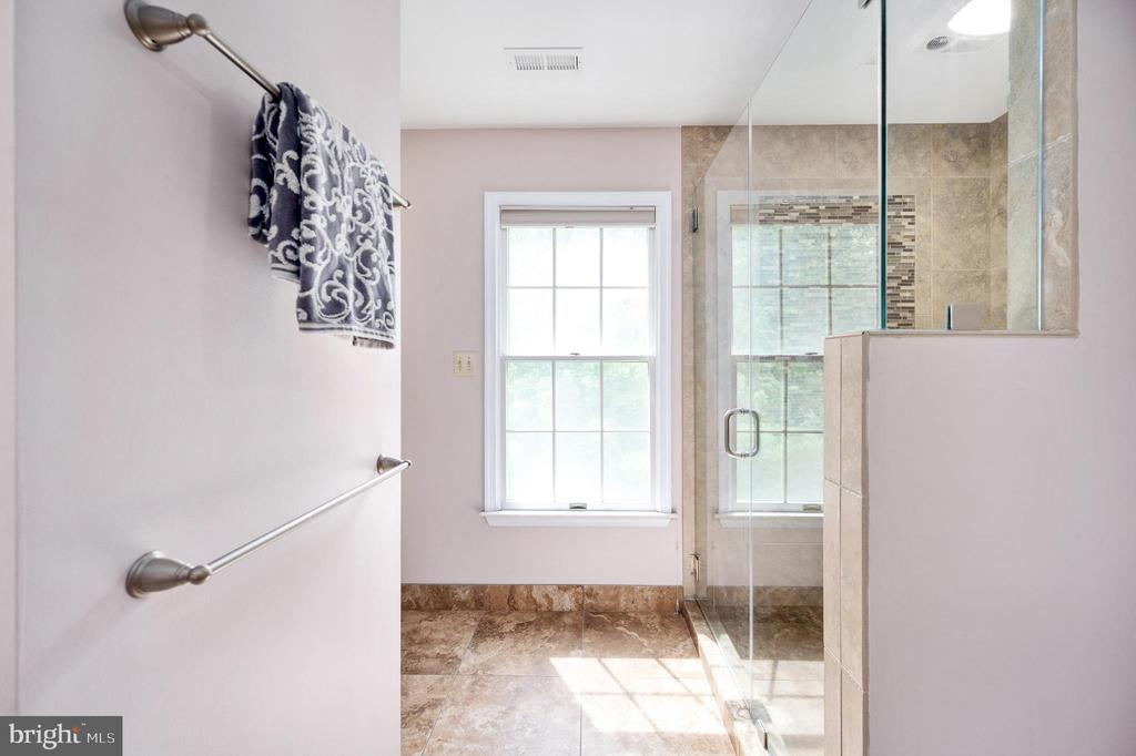 Primary Bath with 2 Linen Closets - 9 OAKBROOK CT, STAFFORD