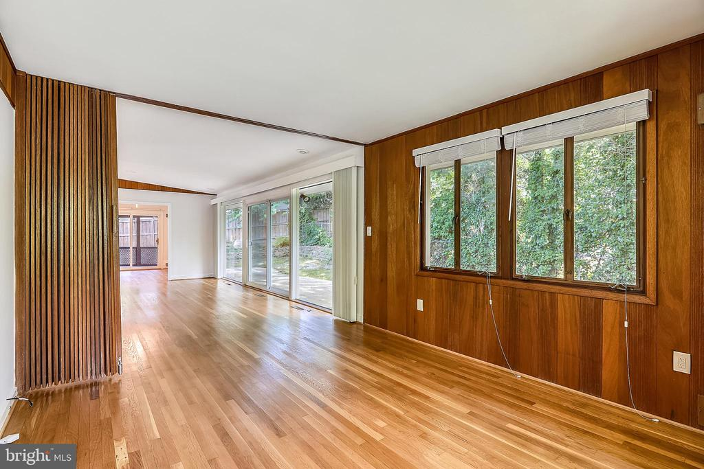 Dan/Study with teak wood folding partition - 6801 GRANBY ST, BETHESDA
