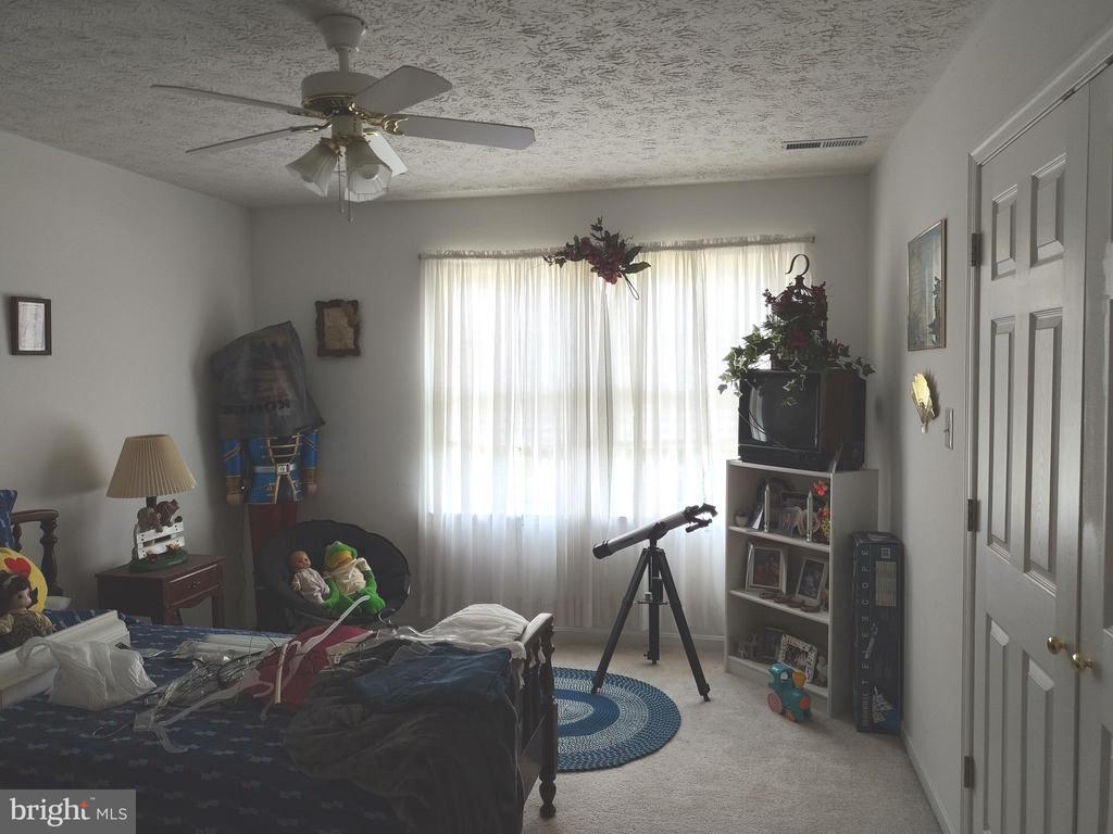 Upper bedroom - 745 & 747 MERRIMANS LN, WINCHESTER