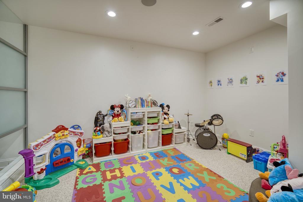 Play area - 1202 CORTINA WAY, SEVERN