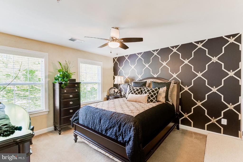 Designer Painted Bedroom Walls - 4917 TROTTERS GLEN DR, UPPER MARLBORO