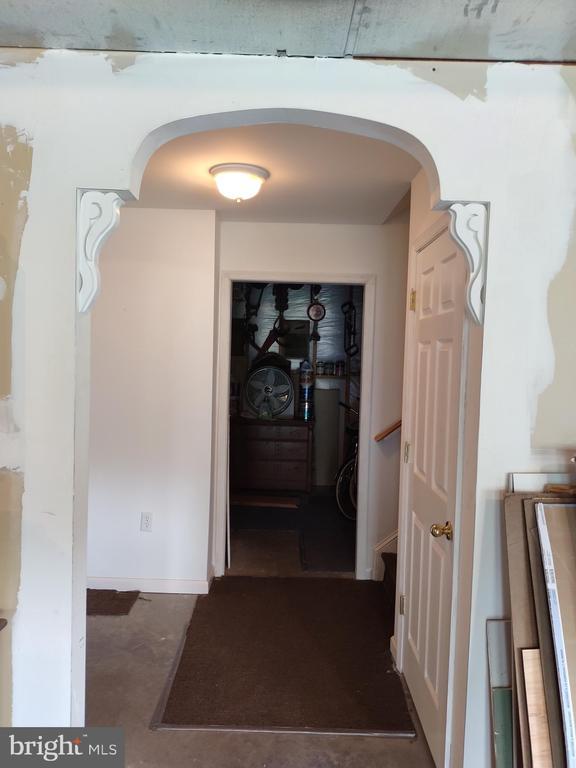 Lower archway - 745 & 747 MERRIMANS LN, WINCHESTER