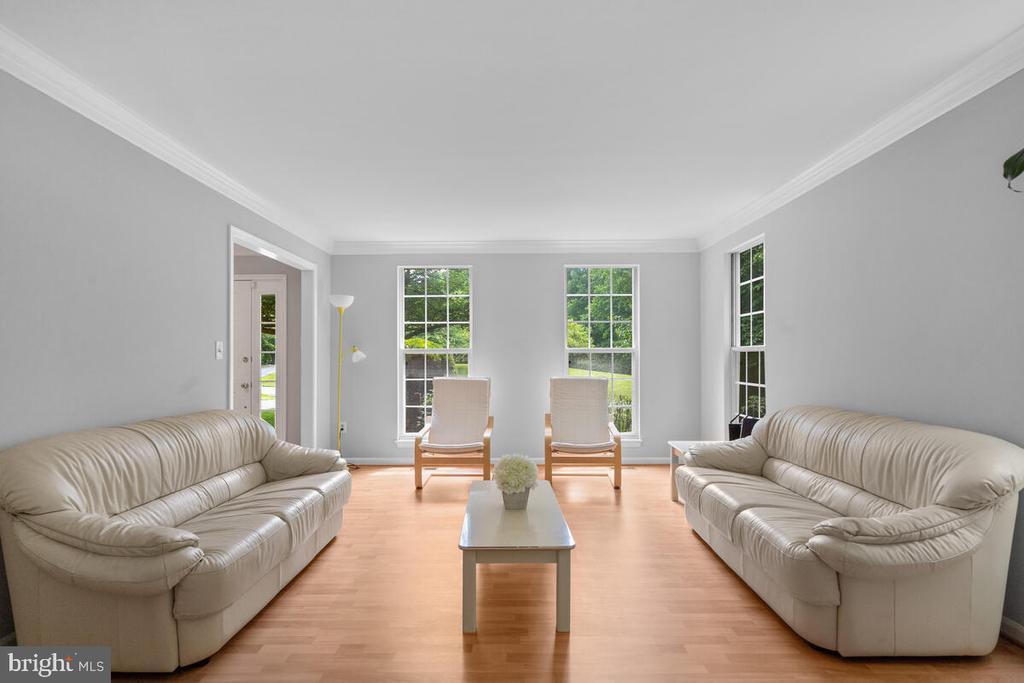 Living room - 6425 STREAM VALLEY WAY, GAITHERSBURG