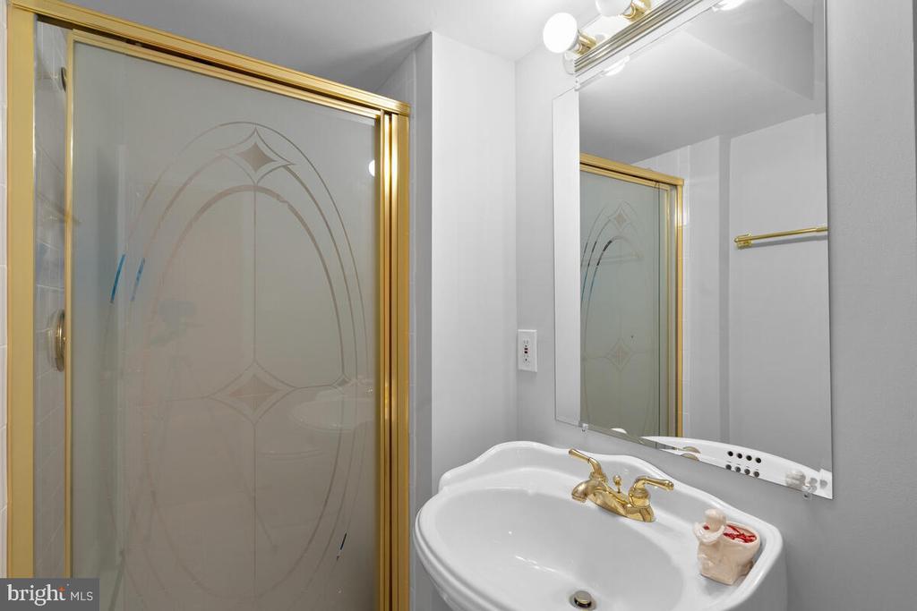 Full Bath - 6425 STREAM VALLEY WAY, GAITHERSBURG